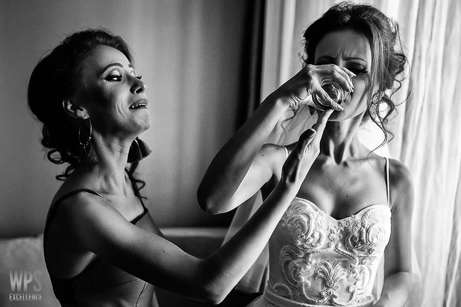 Mihnea Volocariu - Wedding Photography Select Awards9